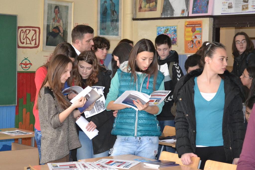 Гимназија се представила на сајму образовања у Основној школи Петар Лековић